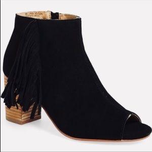 NWT - Kensie fringe Erika open toed black booties